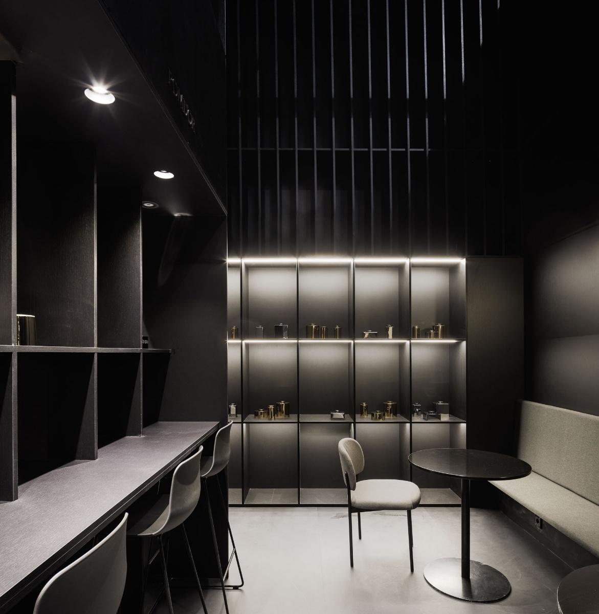 stand cosmic salon del mobile de mil n. Black Bedroom Furniture Sets. Home Design Ideas